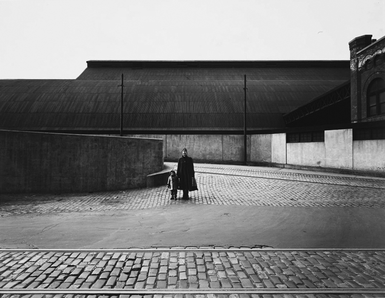 Harry Callahan, Eleanor and Barbara, Chicago